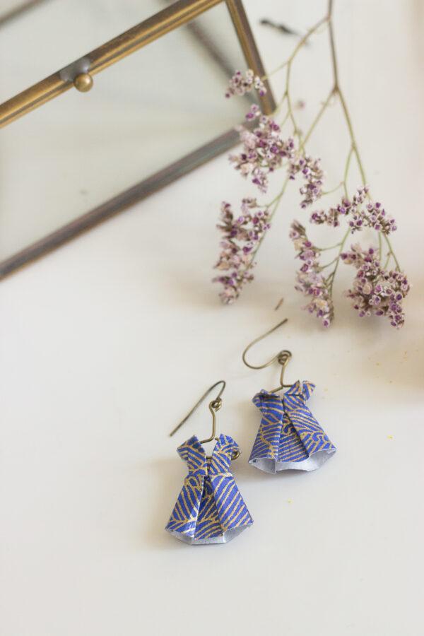 boucles d'oreilles origami robes bleues Clémica