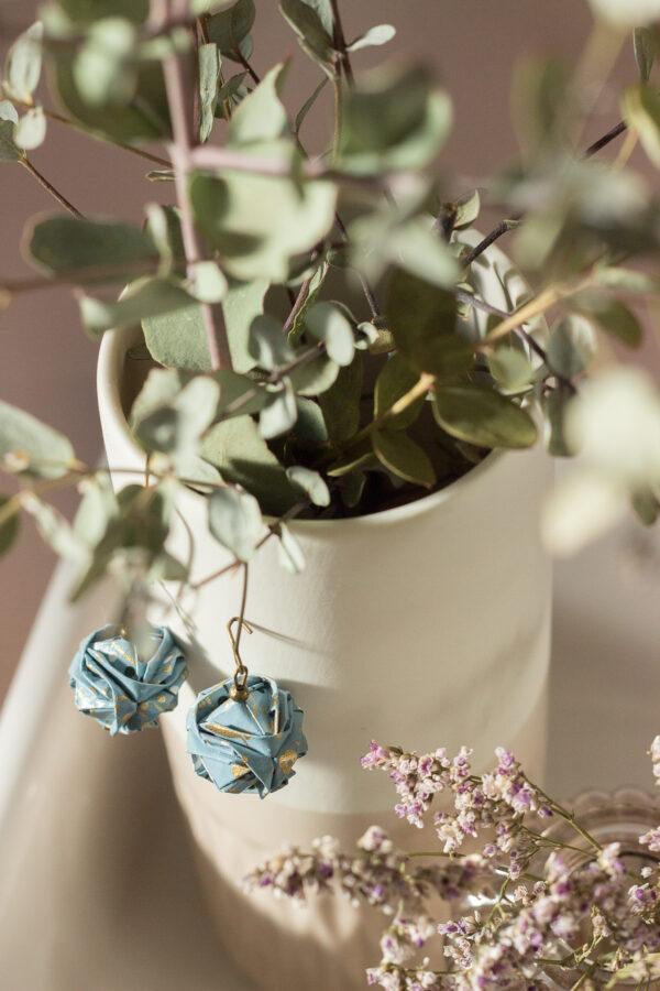 boucles d'oreilles origami boules bleues clémica