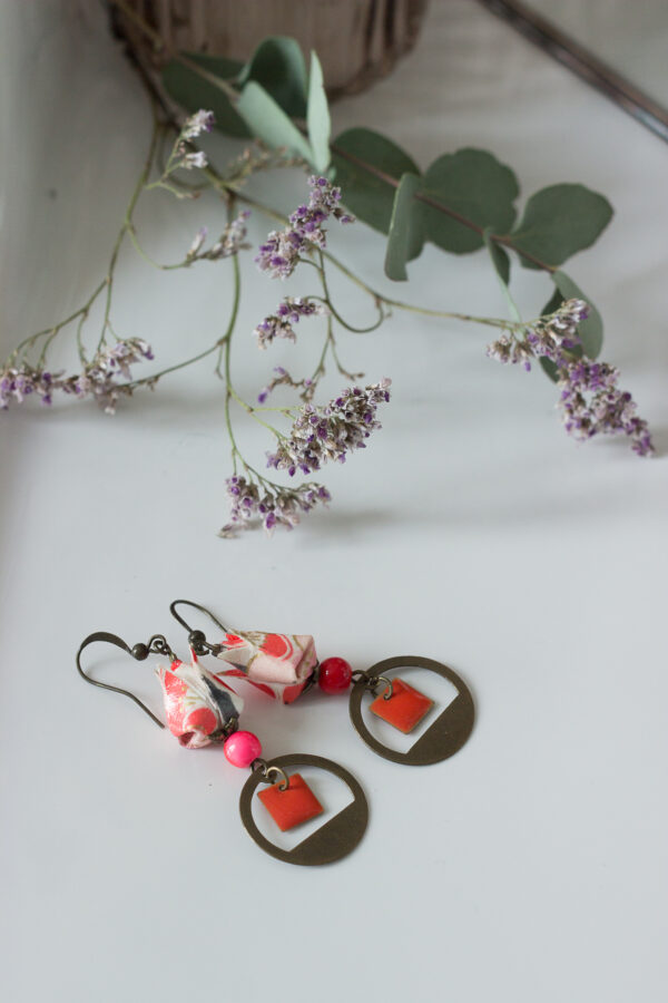 boucles d'oreilles origami fleur de lotus rouges clémica