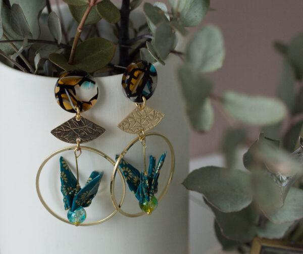 boucles d'oreilles origami grus dorées puces d'oreilles ecaille de tortue clémica
